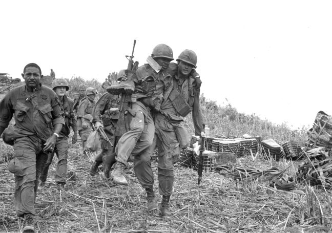 "Can Any War Be ""Just""? Vietnam War in Rare Photos. 
